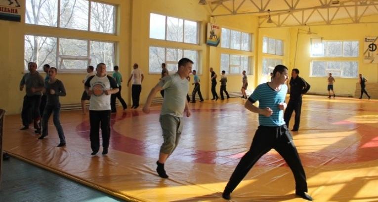 <div class='nh-date'>20. 05. 2016</div><div class='nh-desc'><a href='http://dynamo-lviv.com/pidhotovka-politsiji-ohorony/'>Підготовка поліції охорони</a></div><div class='clr'></div><a class='news-reed-more' href='http://dynamo-lviv.com/pidhotovka-politsiji-ohorony/'>читати</a>